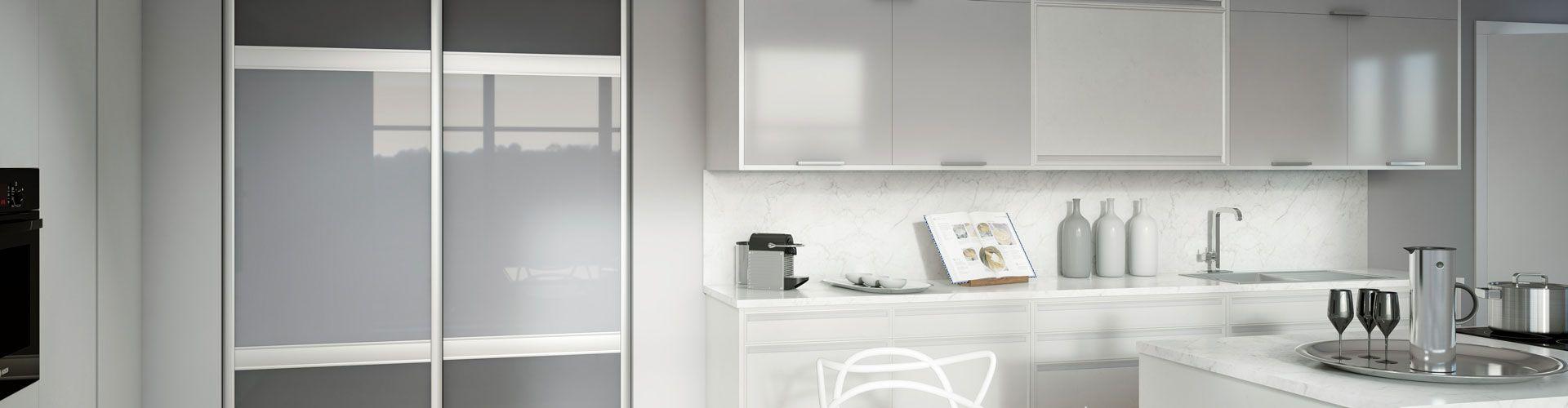portes de placard grises et traverses kazed. Black Bedroom Furniture Sets. Home Design Ideas