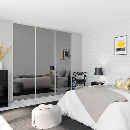 fa ade de placard coulissante 3 portes miroir argent kazed. Black Bedroom Furniture Sets. Home Design Ideas